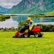 Jaki-akumulator-do-traktorka-ogrodowego